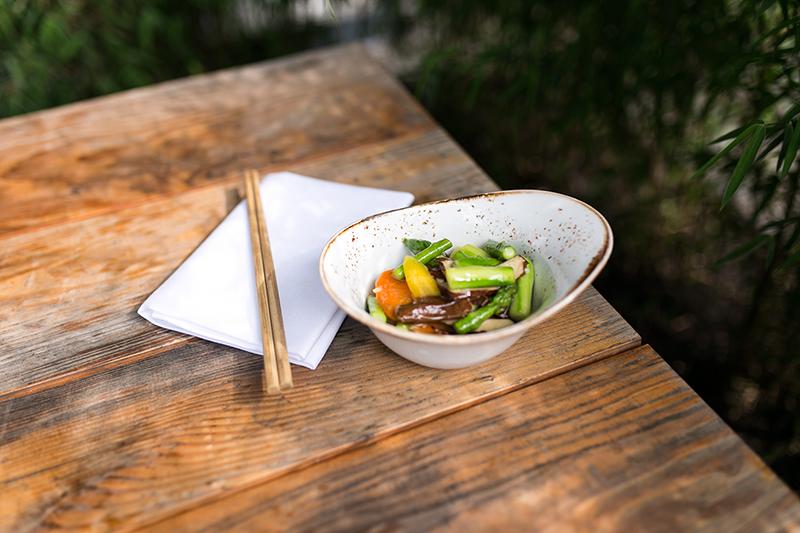 Asparagus meets Tofu - Spargel mit Tofu im Roy & Pris Berlin