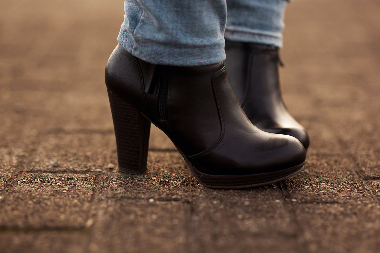 schwarze-high-heels-outfit