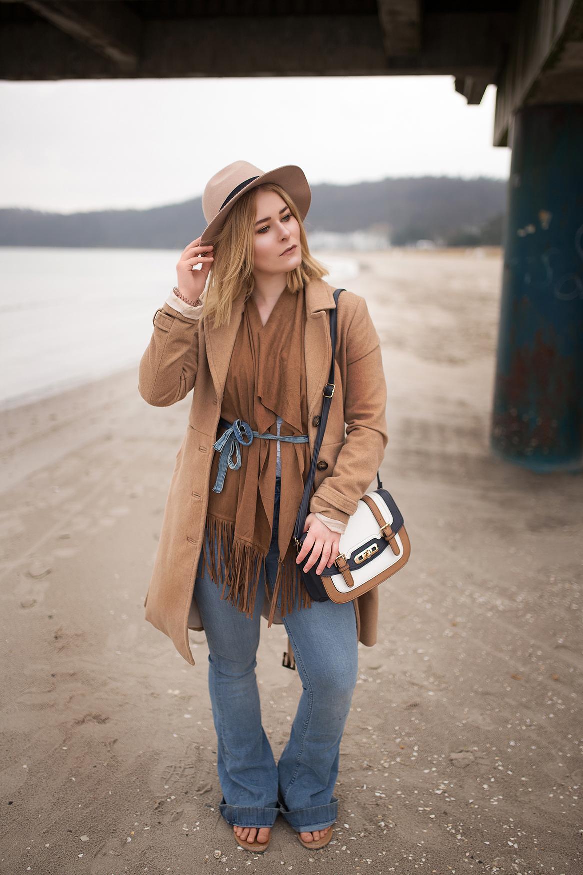 Hut und High Waist Jeans