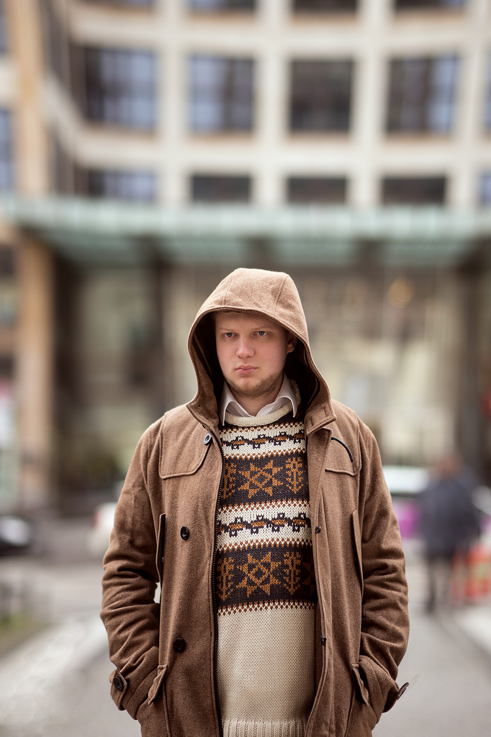 maenner-outfit-parka-winterboots-braun