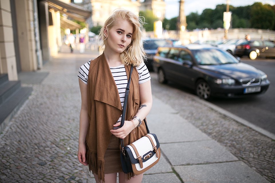 boho-outfit-mit-fransenweste