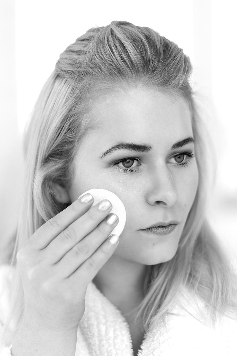 Eine gute Gesichtscreme sorgt für eine schöne Haut