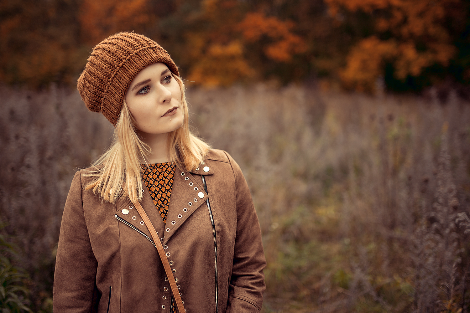 braune muetze perfektes herbst outfit