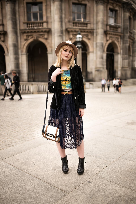 Elegantes Outfit mit Spitzenrock