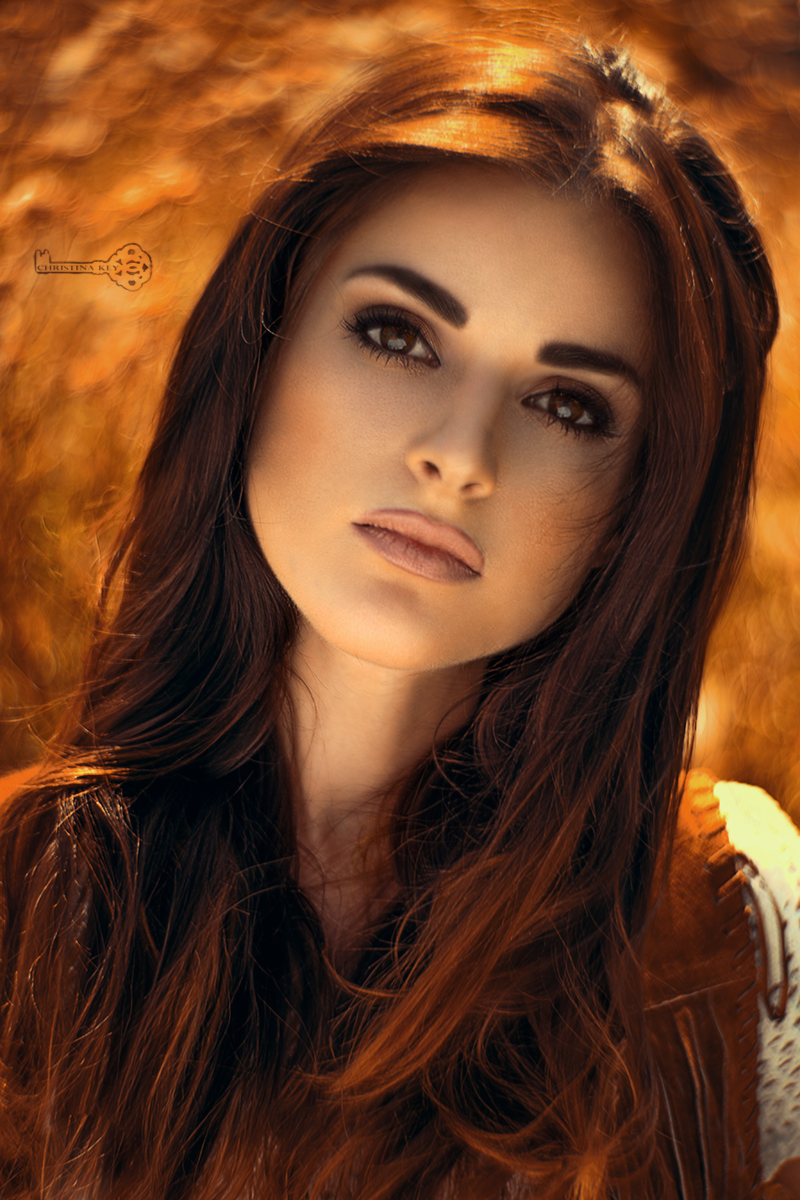 swirly-bokeh-example-portrait-christina-key