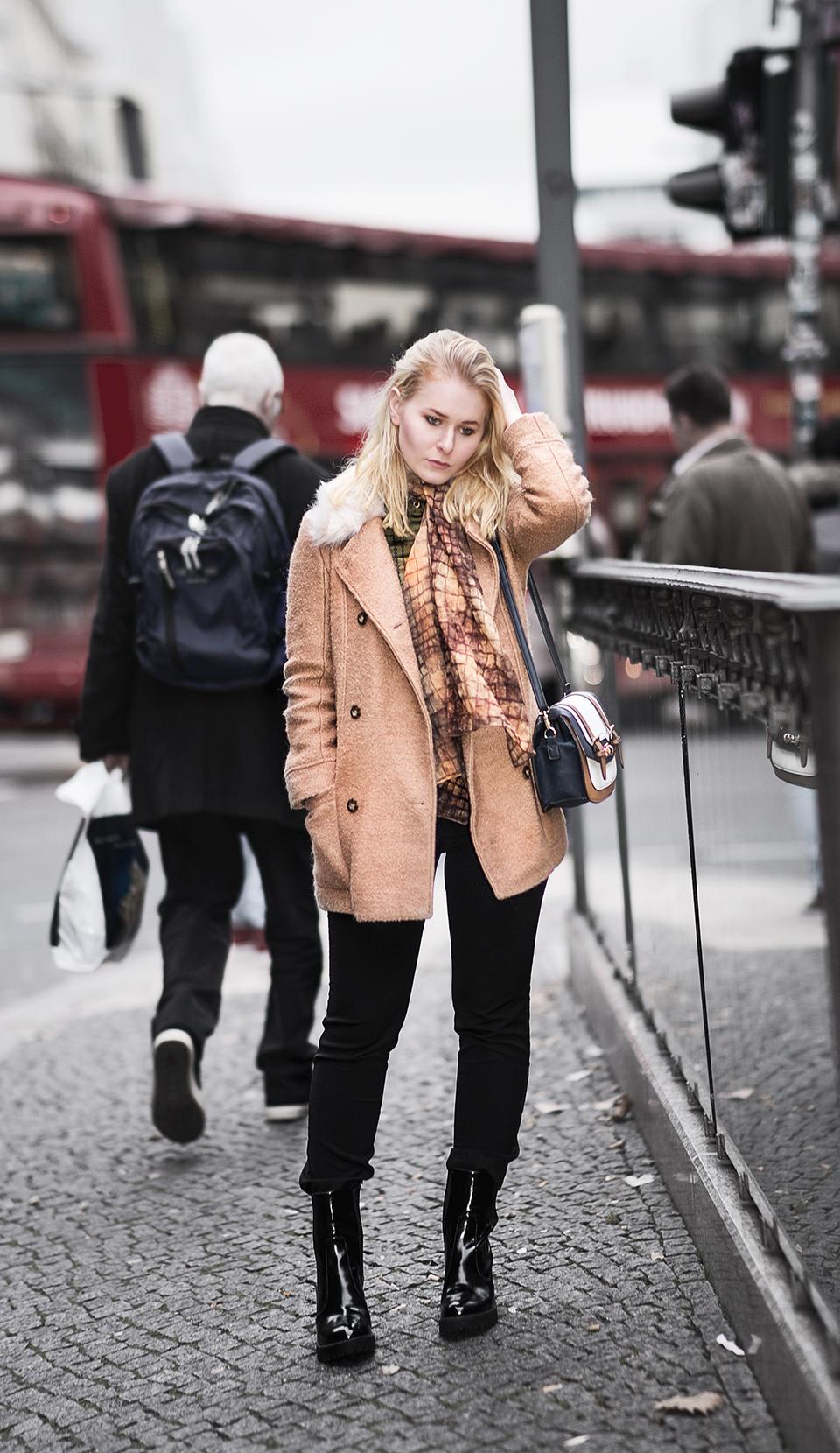braune-winterjacke-fake-fur