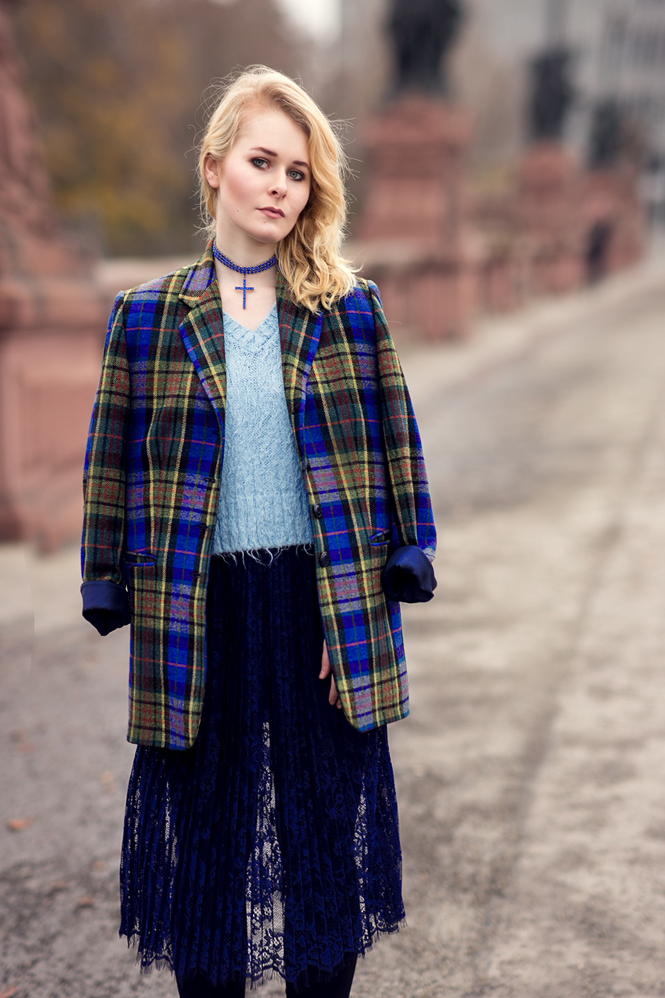 herbst-outfit-mit-spitzenrock-christina-key