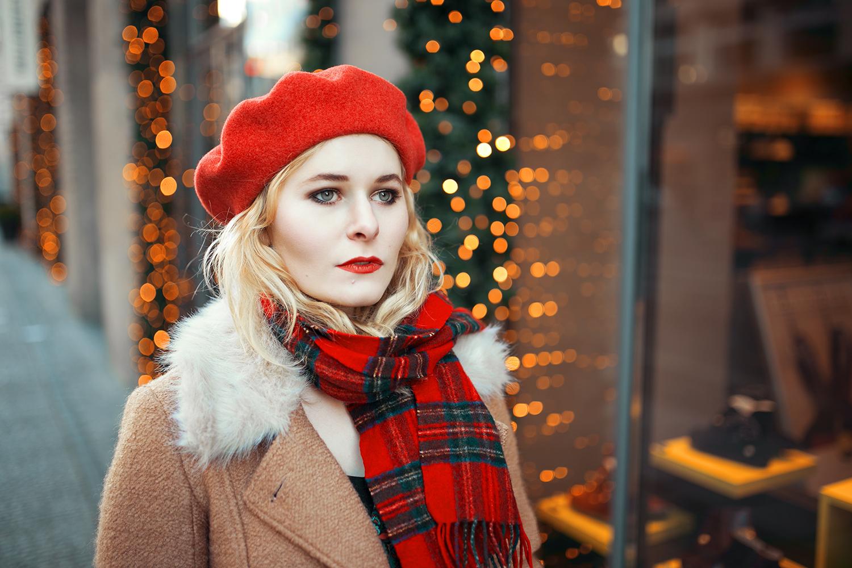rote-baskenmuetze-blonde
