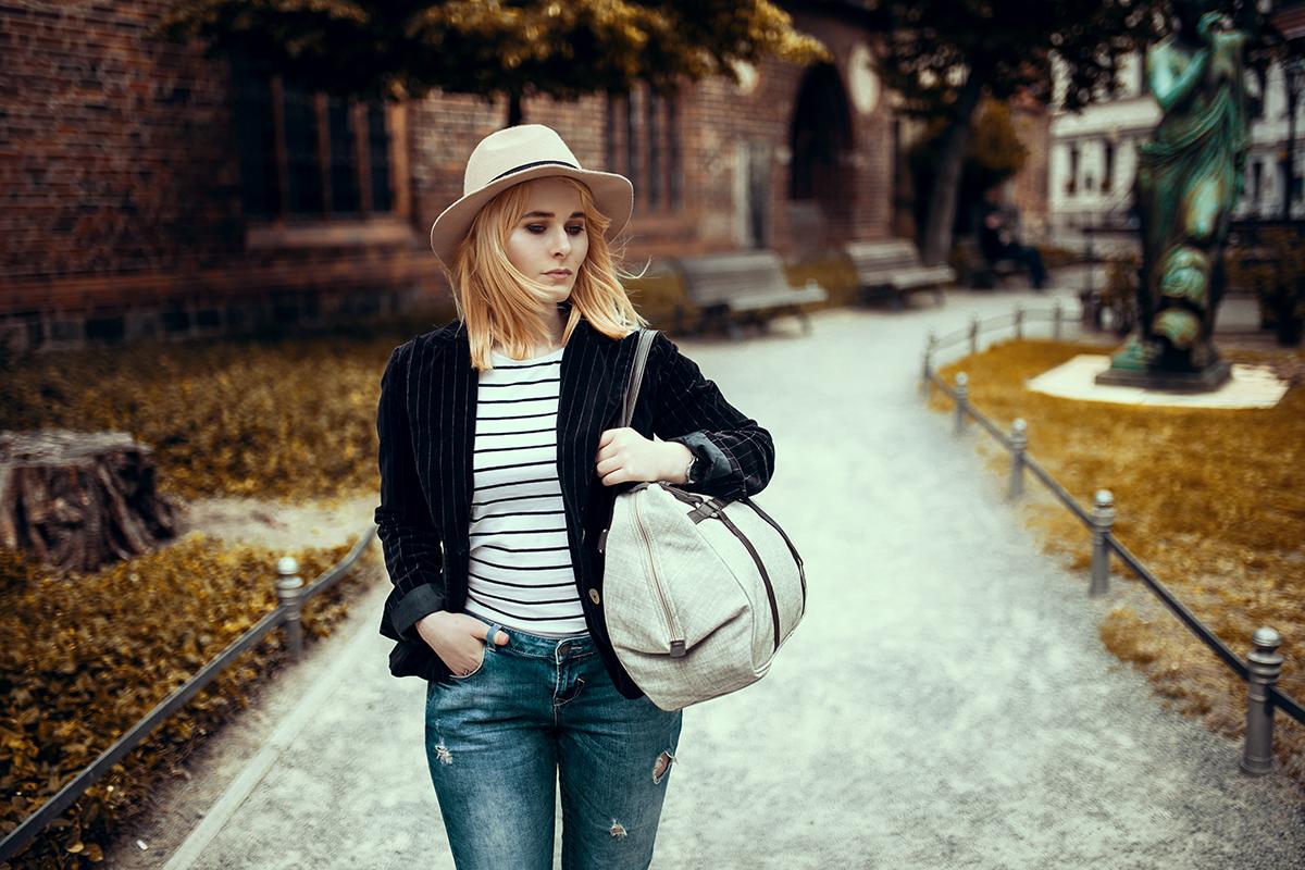 Jeans mit Streifenshirt