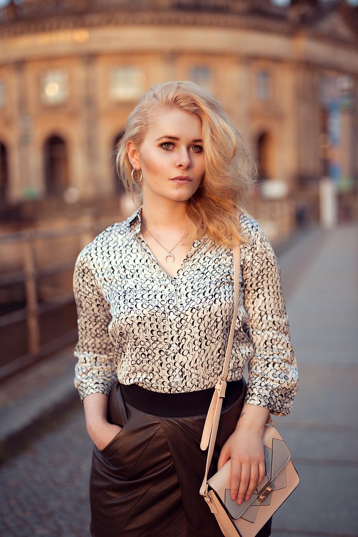 Mini Rock und Bluse Outfit Christina Key