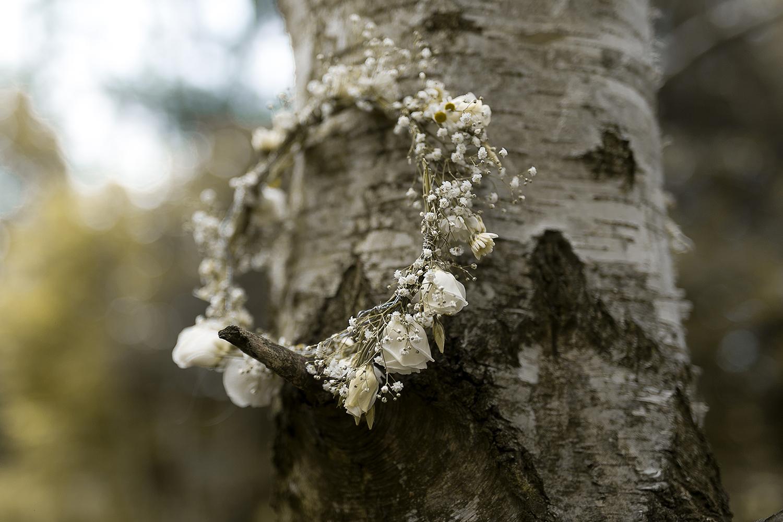 Weißer Blumenkranz