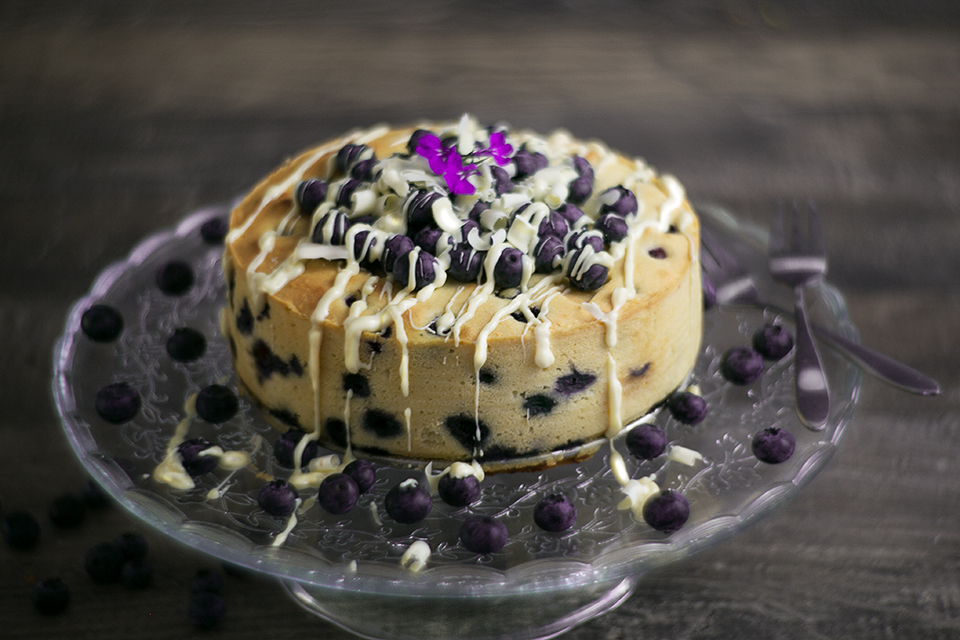 White Chocolate Blueberry Cake