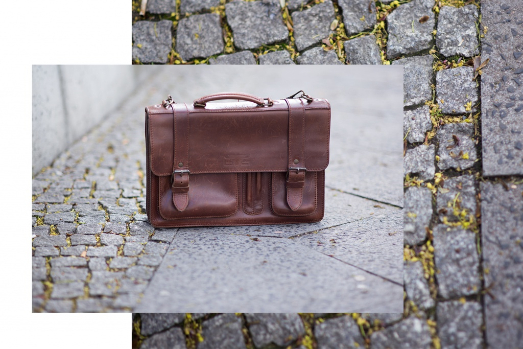 A beautiful leather bag in retro look