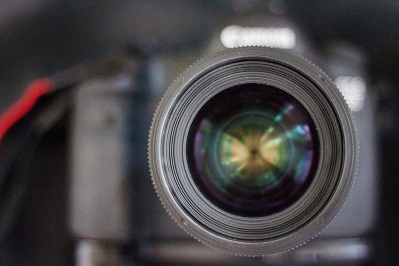 Kameralinse mit Kamera