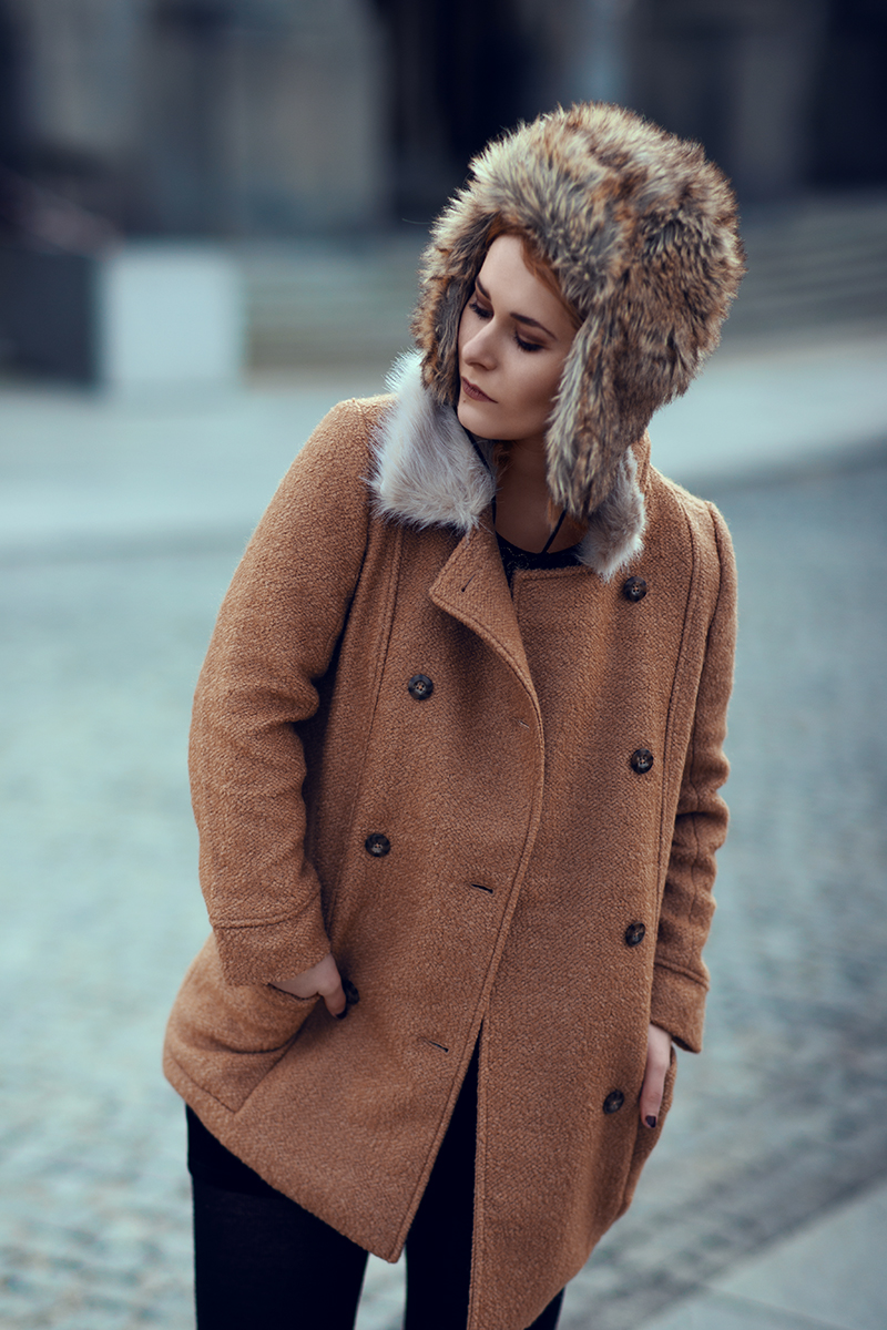 Mantel mit Fake Fur