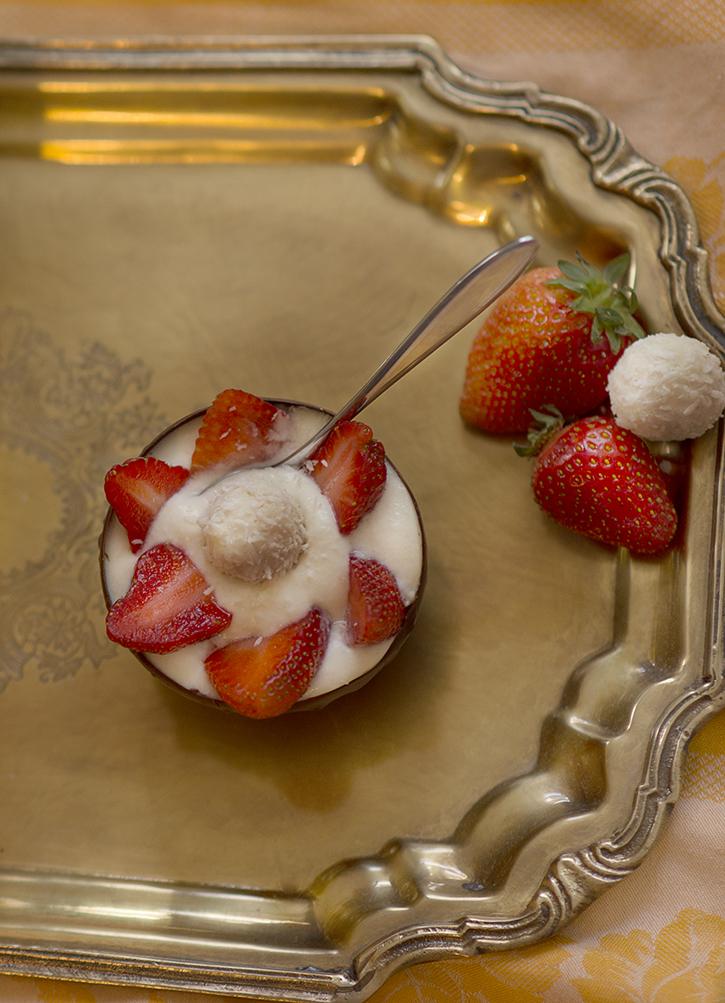raffaello erdbeeren dessert fotografie tipps und foto hacks. Black Bedroom Furniture Sets. Home Design Ideas