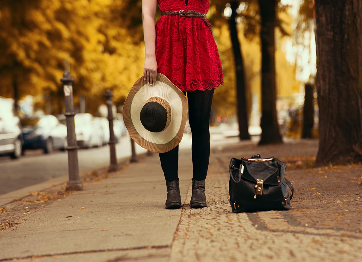 schickes-outfit-fuer-sommer-und-herbst-spitzenkleid