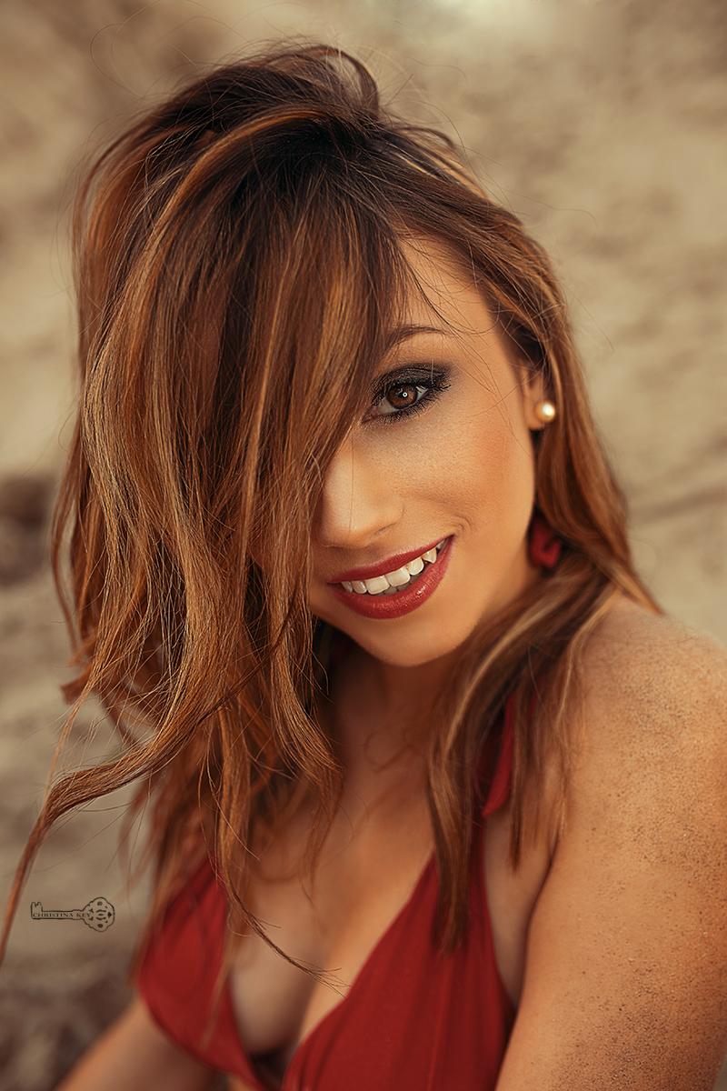 sexy-portrait-frau-im-bikini