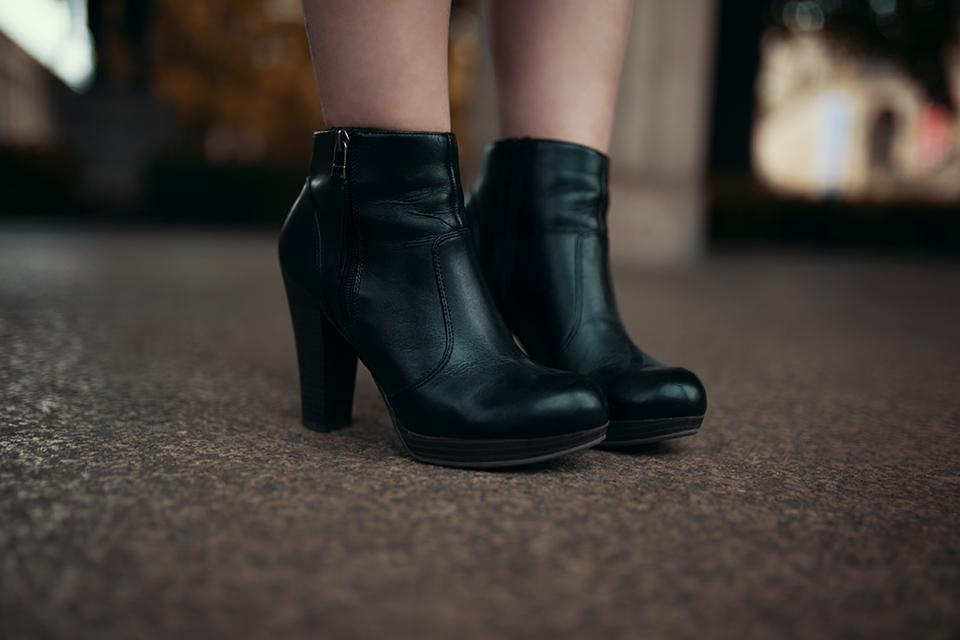 schwarze-stiefel