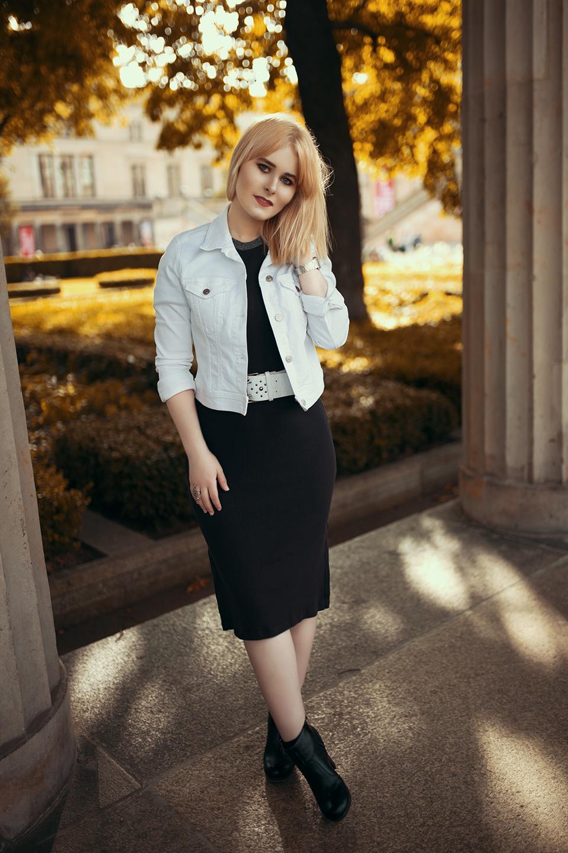 Kleid mit Jeansjacke