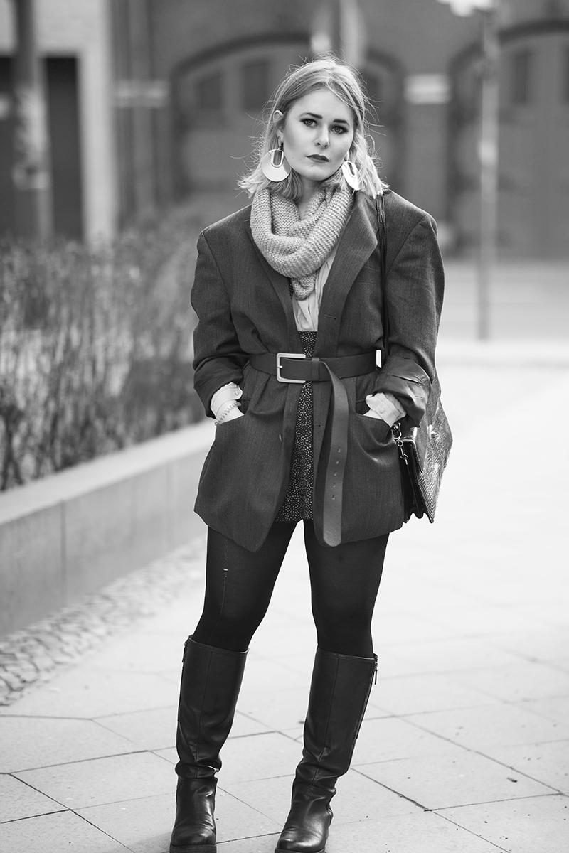 Sexy Cooler Tom Boy Look von Fashion Bloggerin Christina Key mit Overknees