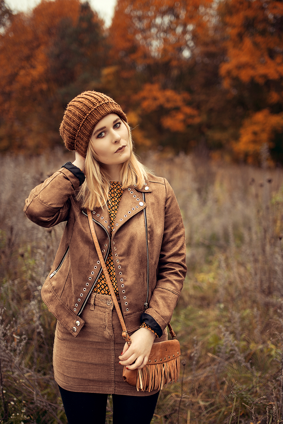 herbst outfit ton in ton hellbraun