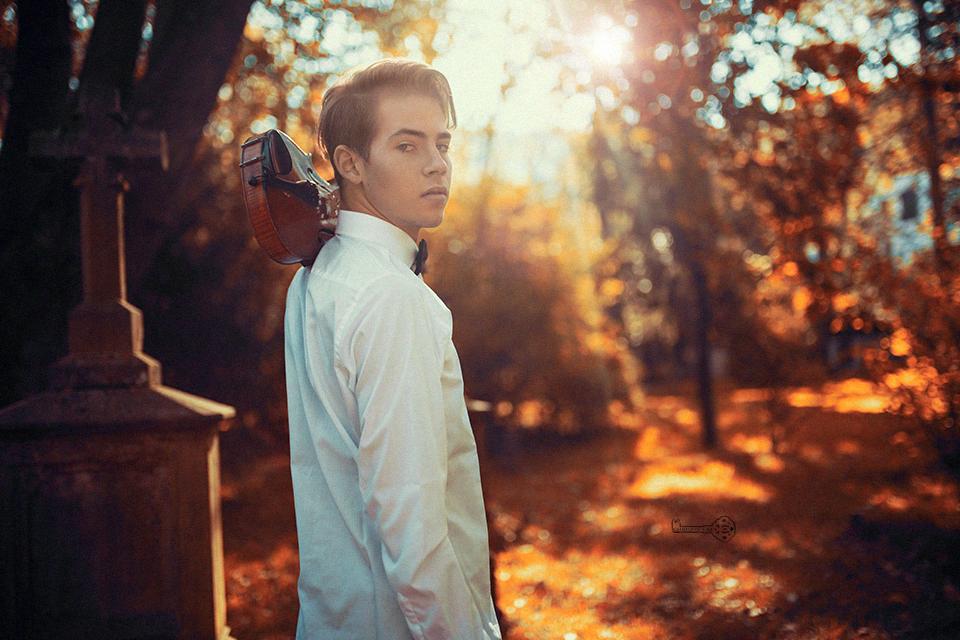 jonathan-heck-portrait-sommer-mit-violine