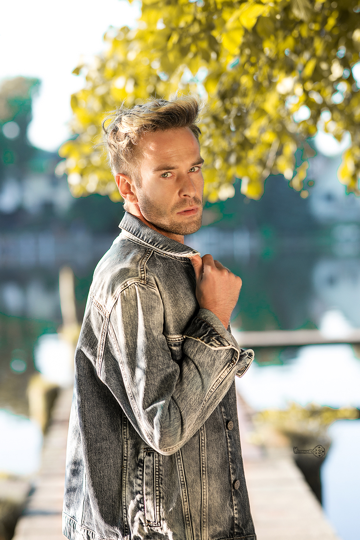 portrait-man-jeans-jacket-s
