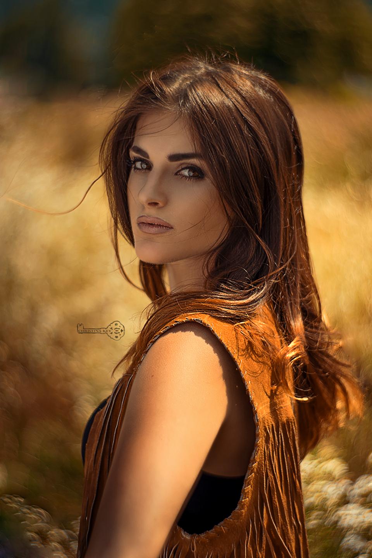 swirly-bokeh-portrait-by-christina-key