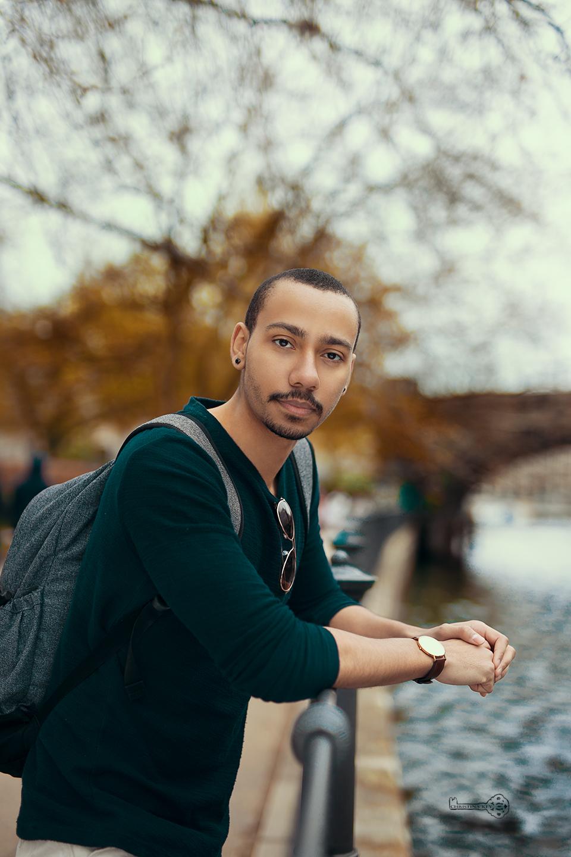 Kojo Boison Portrait am Wasser