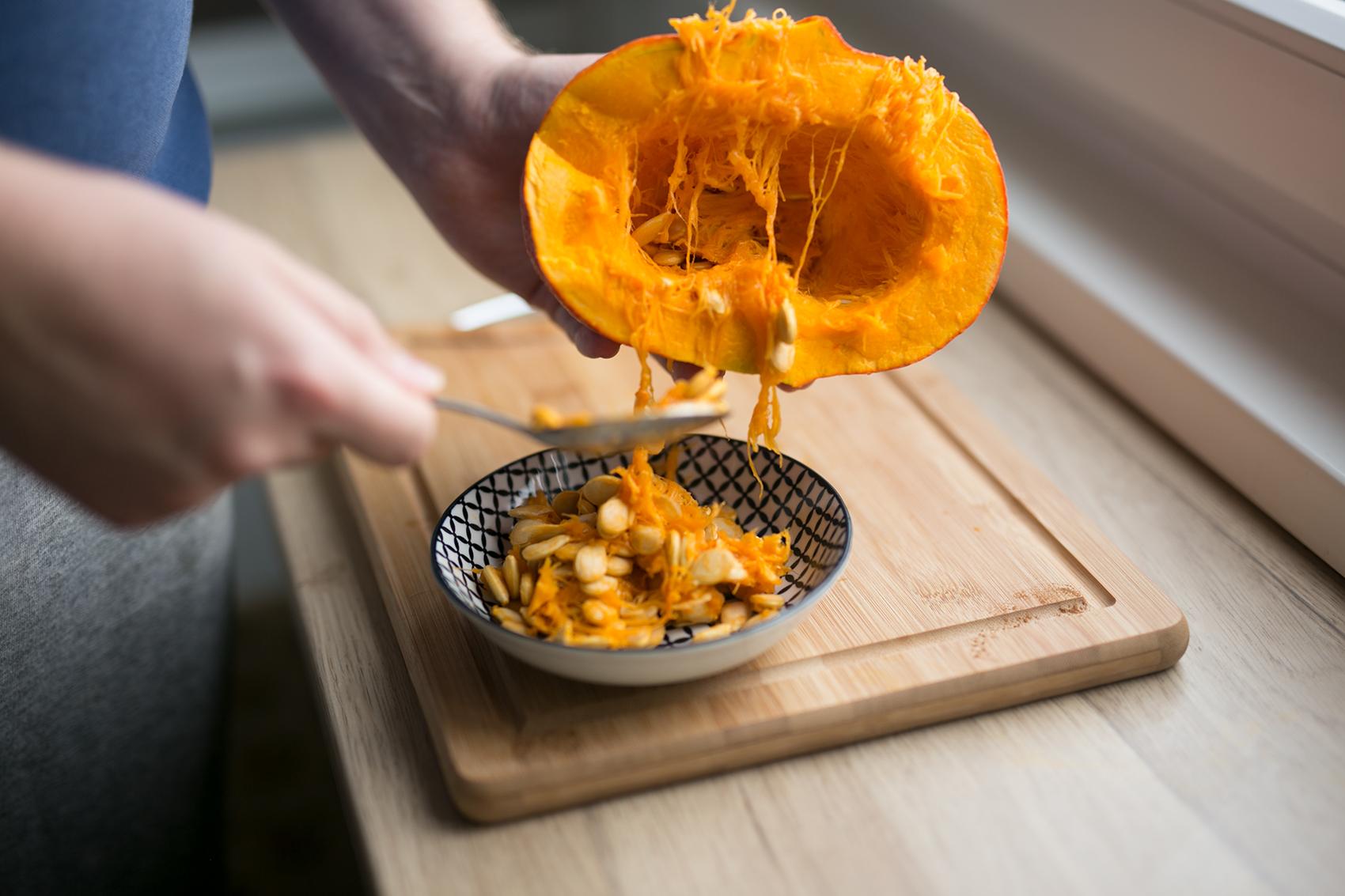 Kürbis ausholen für Pumpkin Spice Latte
