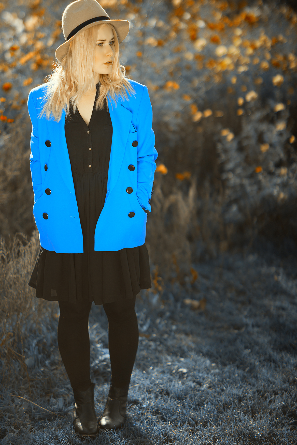 Royal blauer Blazer Herbst Outfit
