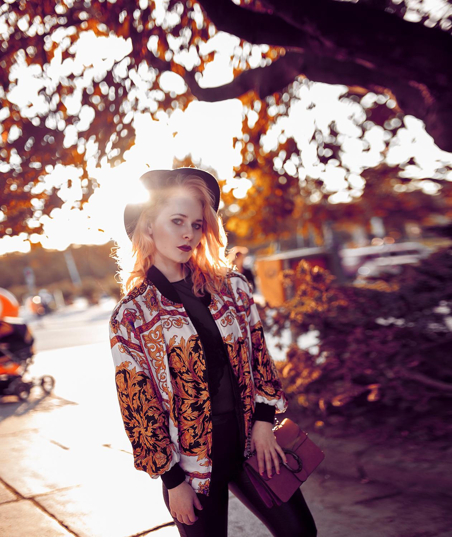 Vintage Bomberjacke, Hut & Chucks - Herbst Outfit - Christina Key