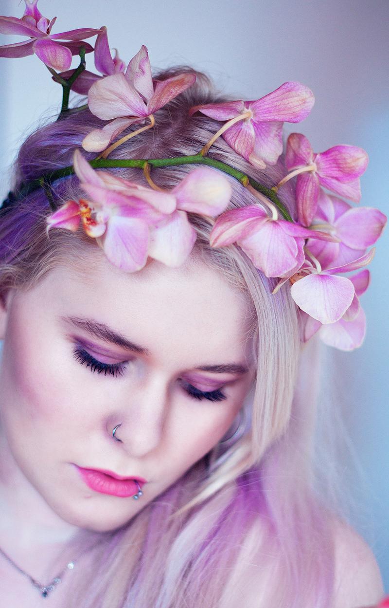 Christina Key Selbstportrait rosa Haare