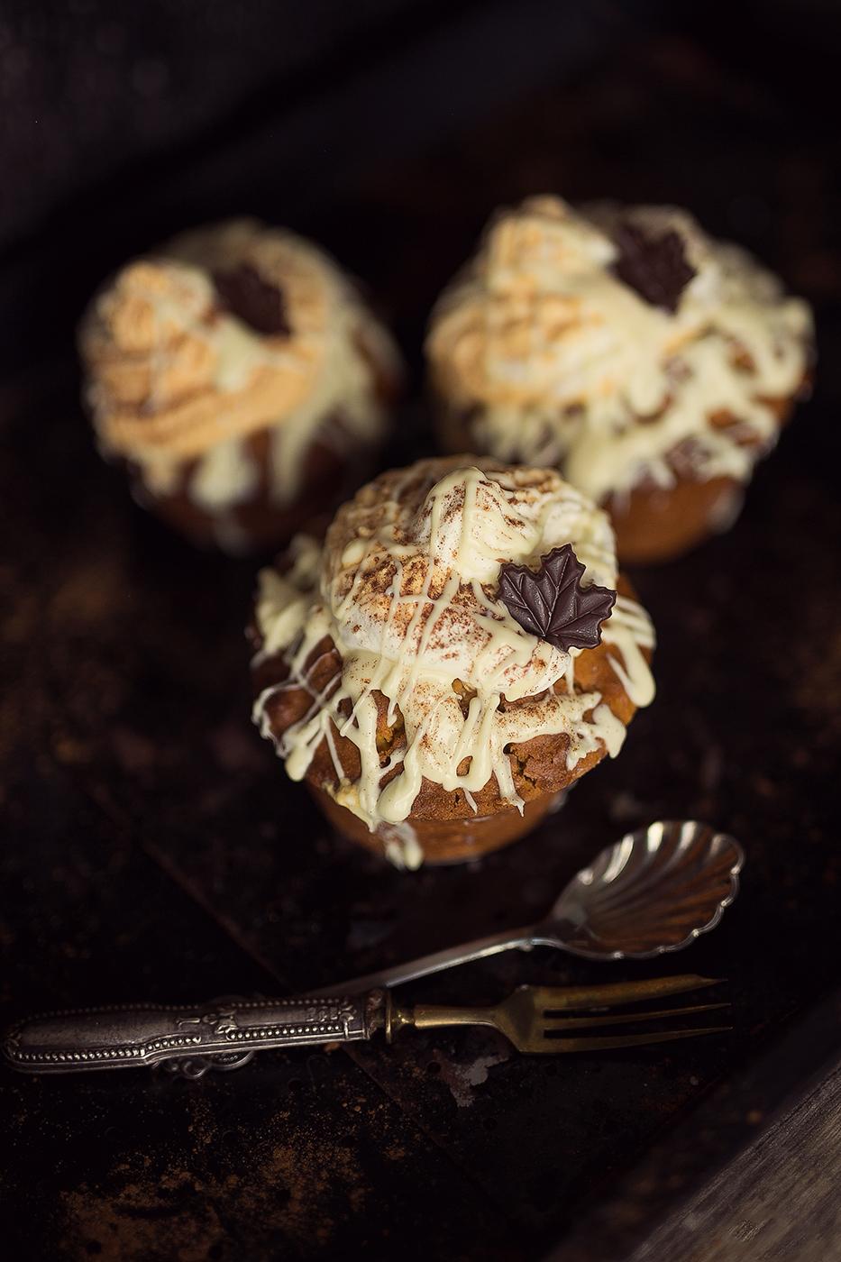 Köstlicher Kürbis Muffin mit weißer Schokolade