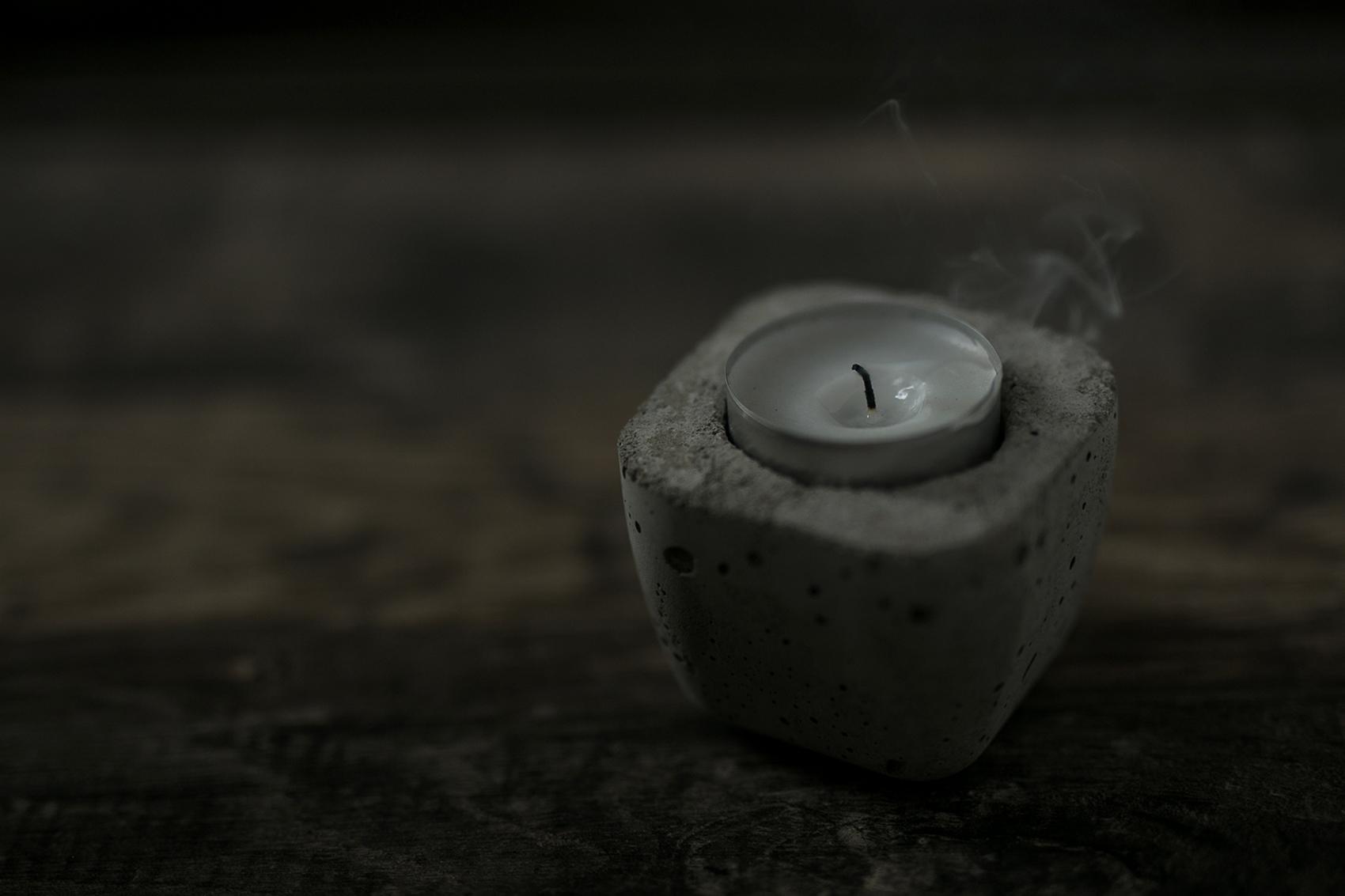Teelichthalter aus Beton