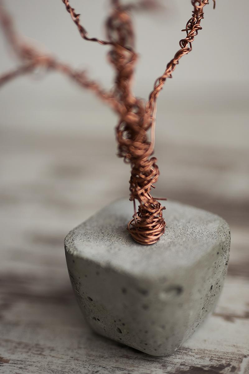 Beton Baum mit Kupfer