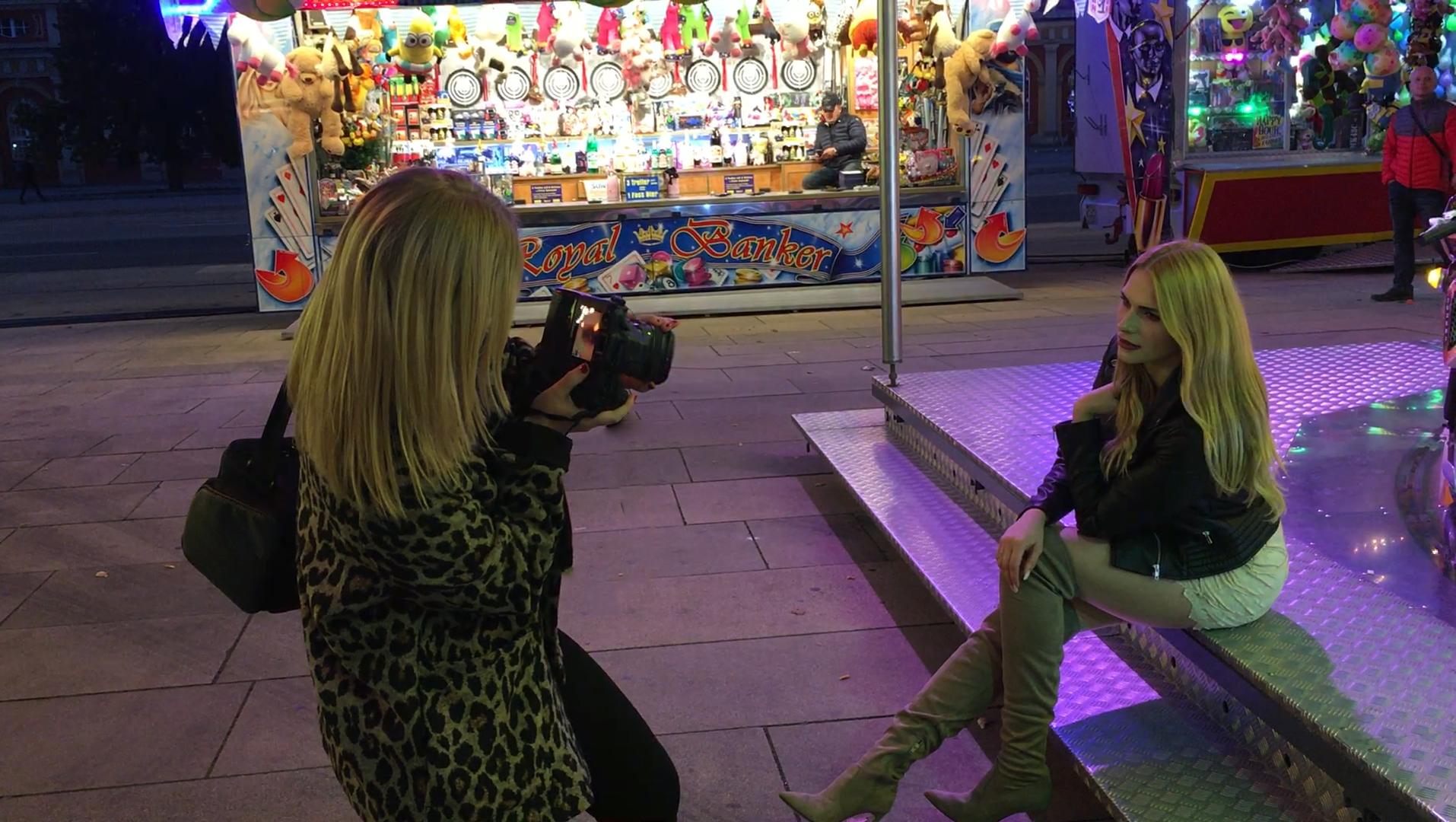 Christina Key fotografiert im Live View Modus