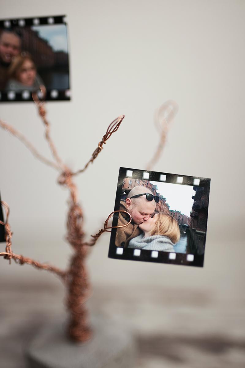 Foto Baum aus Beton und Kupfer