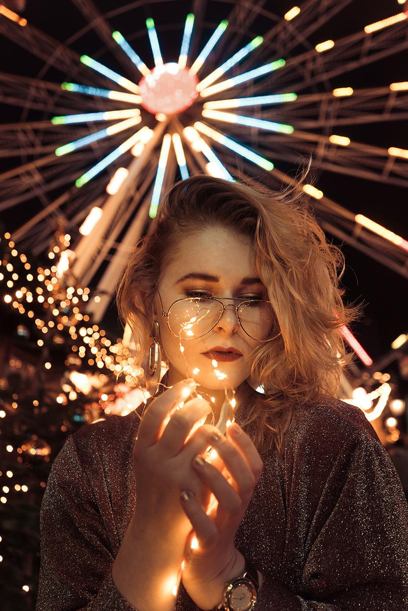 Christina Key Portrait mit Lichterkette