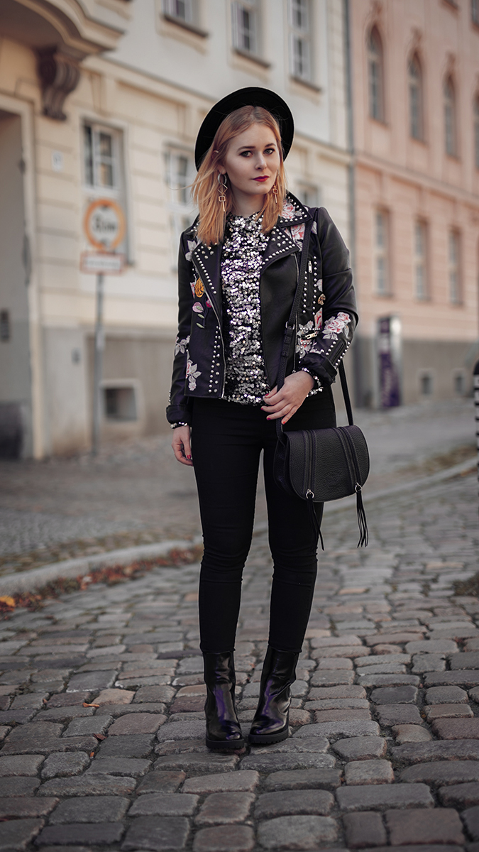 Sexy Silvester Outfit für Damen Stilbruch mit Pailletten Top