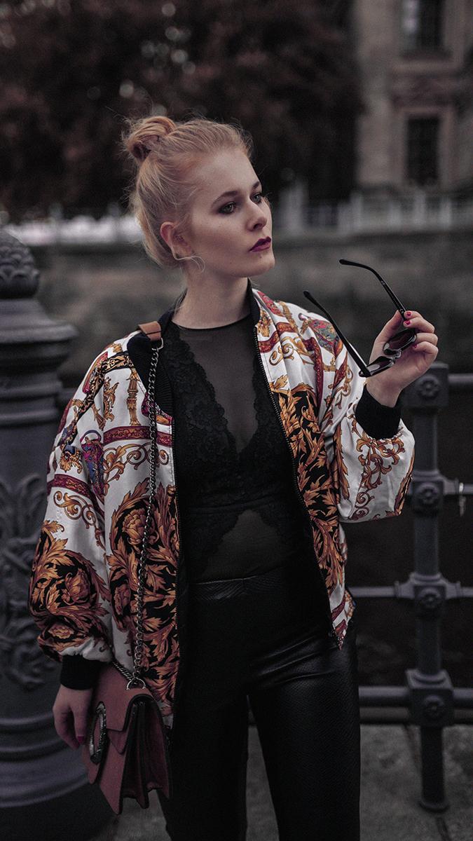 Sexy Silvester Outfit für Damen mit Spitzenbody