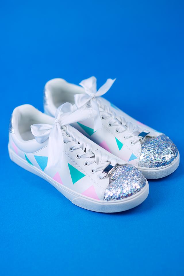 Diy Pastell Schuhe mit Holo Effekt selbst gemacht Inspiration