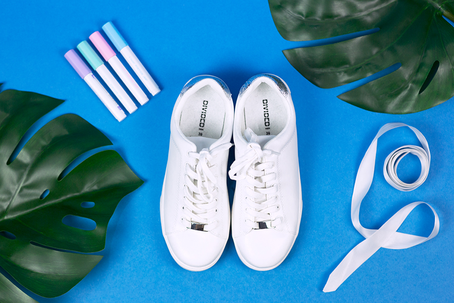 Diy Pastell Schuhe mit Holo Effekt selbst gemacht