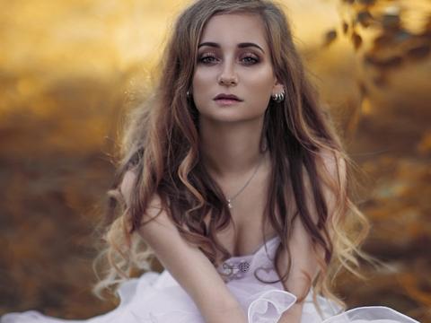 Fotoshooting im Hochzeitskleid und Video Fotografie