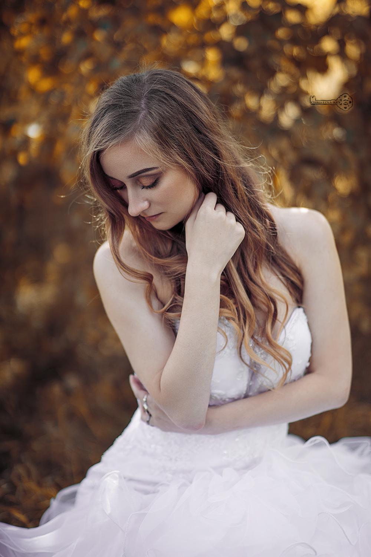 Fotoshooting im Hochzeitskleid und Video Portrait Frau