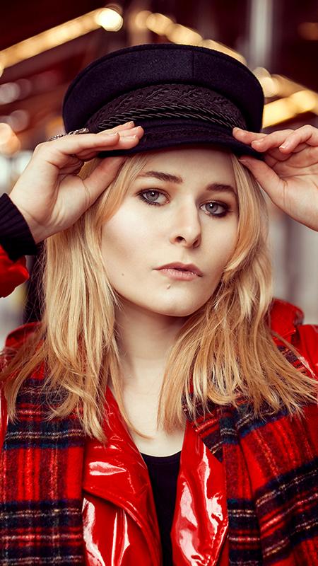 Rot kombinieren & Foto Tipps für Fashion Blogger Lackmantel