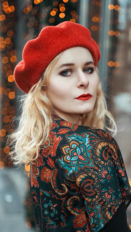 Rot kombinieren & Foto Tipps für Fashion Blogger Rote Baskenmütze