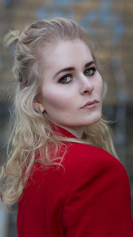 Rot kombinieren & Foto Tipps für Fashion Blogger Roter Blazer