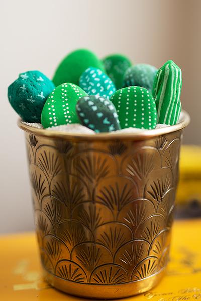 DIY Kakteen aus Steinen grün
